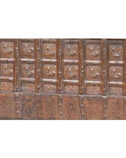 Masívne drevené sedadlo s úložným priestorom, železné kovania, 117x67x86cm