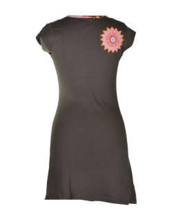 Krátke čierno-oranžové šaty s krátkym rukávom, mandala dizajn, atypický výstrih