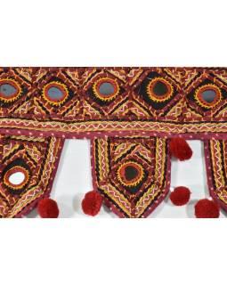 Záves nad dvere, vínový, Rajasthan, bambuľky, sklíčka, výšivka, 84x22 cm