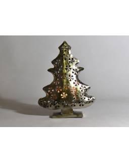 Vianočný stromček, kovový svietnik, ručné práce, 40x30x10cm