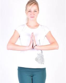 Biele tričko na jogu z bio bavlny, výšivka Kitamari a potlač