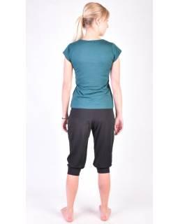 Čierne trojštvrťové balónové nohavice na jogu z bio bavlny, potlač Kitamari