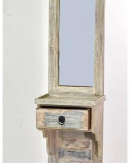 Zrkadlo v ráme na stojane, šuplík, antik teak, biela patina, 45x35x185cm