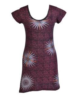 Krátke čierno-vínovej šaty s krátkym rukávom, potlačou a výšivkou mandaly