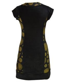 Krátke čierne zamatové šaty s krátkym rukávom a Chakra tlačou