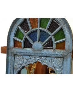 Staré okno zdobené sklenenou mozaikou, vyplnené zrkadlom, 75x11x132cm