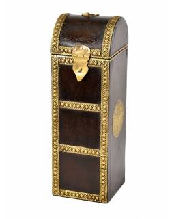 Box na víno zdobený mosadzným kovaním, 11x12x35cm