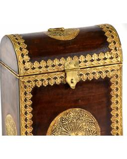 Box na víno zdobený mosadzným kovaním, 22x12x35cm
