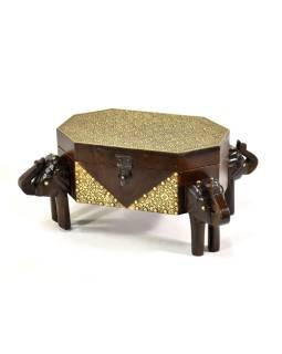 Truhlička sa sloniemu hlavami, tropické drevo tepané mosadzou, 35x25x17cm