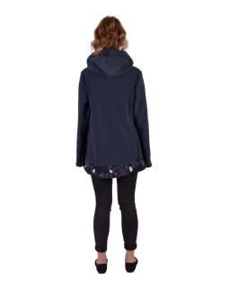 Tmavo modrý fleecový kabát s kapucňou zapínaný na gombík, leaves dizajn a výšivka