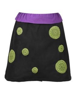 Krátka čierno fialová sukňa s chakra aplikáciami a pružným pásom