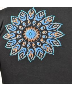 Čierne tričko s dlhým rukávom, farebná mandala potlač