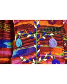Predĺžený vlnený sveter s kapucňou a vreckami zapínaný na gombíky, kvety