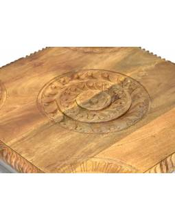 Stolík z mangového dreva, ručne vyrezávaný, 62x62x21cm