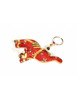 Prívesok na kľúče slon sa zvončekom, červený, 9x6cm