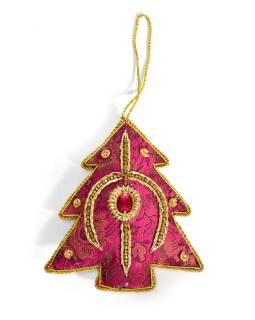 Ručne vyrábaná vianočná ozdoba stromček, ružový brokát, zdobená, 12x10cm