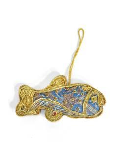 Ručne vyrábaná vianočná ozdoba ryba, modrý brokát, zdobená, 11x6cm