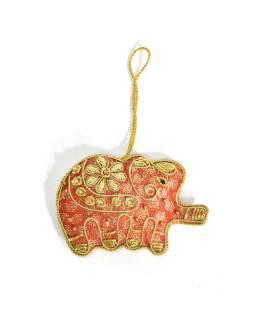 Ručne vyrábaná vianočná ozdoba slon, červený brokát, zdobená, 9,5x6,5cm
