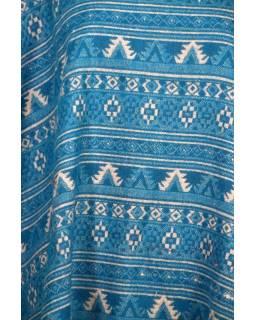 Farebné pončo s golierom a strapcami, vzor min aztec, zelená