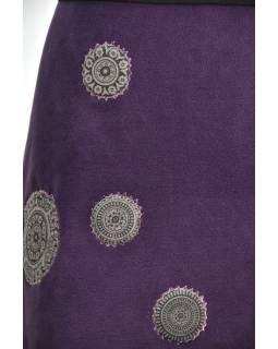 3e6807410fd8 Krátka slivková sukňa s chakra aplikáciami a pružným pásom