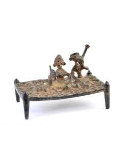"Soška posteľ, relax s fajkou, ""Tribal Art"", mosadz, 14cm"