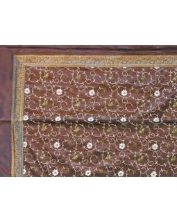 Vyšívaný prehoz so štyrmi vankúšikmi, hnedý, 220x270cm