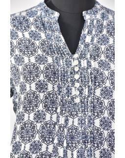 Ľahká letná blúzka s gombíkmi, potlač, sklady na prsiach, bielo-modrá