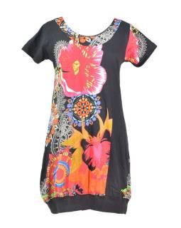 Čierne balónové šaty s krátkym rukávom a potlačou kvetín