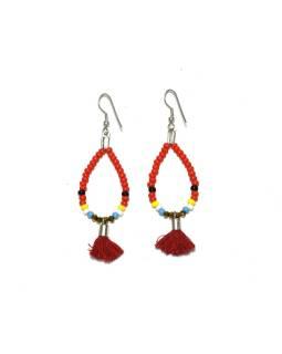 Visiace náušnice s červenými korálkami a třásničkou, tvar kvapky, strieborný kov