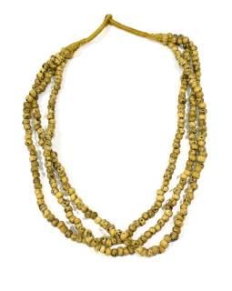 Masívny dlhý náhrdelník, 3-radový, béžovej korále, zapínanie