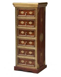 Šuplíková komoda z palisndrového dreva zdobená mosadzou, 45x35x110cm