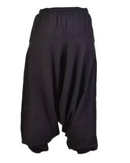 Čierne turecké nohavice, guma v páse, vrecká, mäkčené prevedenie
