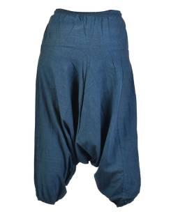 Tmavo modré turecké nohavice, guma v páse, vrecká, mäkčené prevedenie