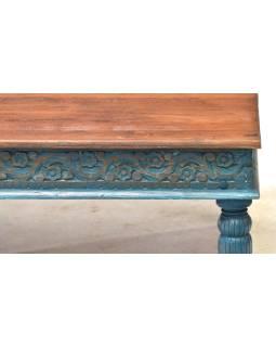 Konferenčný stolík z teakového dreva, ručné rezby, tyrkysová patina, 120x75x46cm