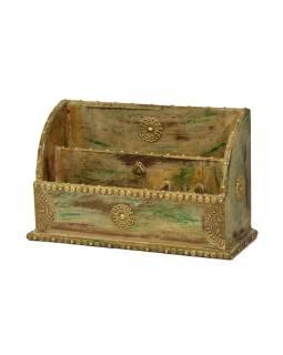 Ozdobný drevený zakladač zdobený mosadzným plechom, 37x14x23cm