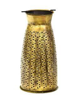 Svietnik, ručne vyrezávaný a tepaný, mosadzná patina, 17x17x34cm