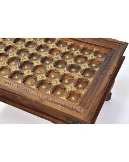 Konferenčný stolík z palisandru zdobený mosadzou, 90x60x45cm