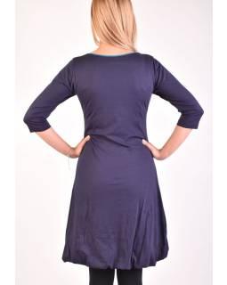 Krátke tmavo modré šaty s 3/4 rukávom