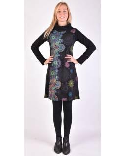 Krátke šaty s dlhým rukávom a vysokým golierom, čierne, paisley dizajn, potlač