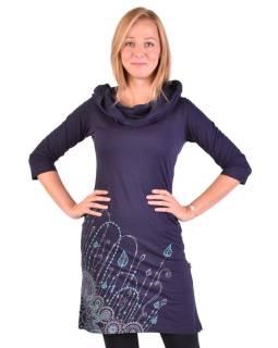 Tmavo modré šaty s kapucňou / golierom, trojštvrťové rukáv, vrecká, potlač a výšivka