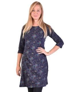 Tmavo modré šaty s trojštvrťovým rukávom a potlačou kvetín, sklady na boku, výšku