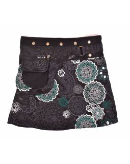 Krátka fleecová sukňa zapínaná na patentky, Mandala dizajn, čierno-biela, vrecko