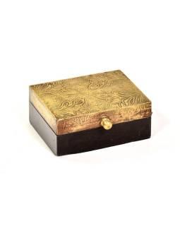 Drevená ozdobná krabička (šperkovnice), mosadzné kovania, 11x8x5cm
