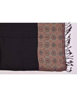 Veľká šál s motívom mandál, so strapcami, čierna, 68x180cm