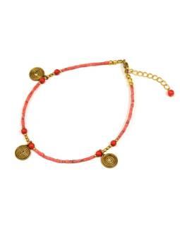 Náramok na nohu, drobné korálky, koralovo červený, zlaté špirálky