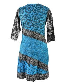 Tyrkysovo-modré šaty s kvetinovou potlačou a trojštvrťovom rukávom