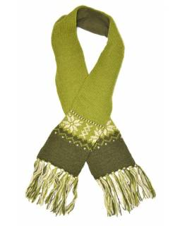 Zelená vlněná šála s jemným designem vloček a třásněmi
