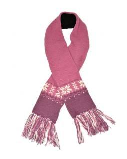Růžová vlněná šála s jemným designem vloček a třásněmi