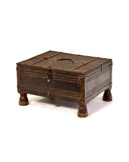Stará truhlička - šperkovnica z antik dreva, ručne vyrezávaná, 37x30x21cm
