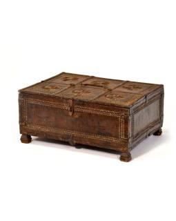 Stará truhlička - šperkovnica z antik dreva, ručne vyrezávaná, 44x32x20cm
